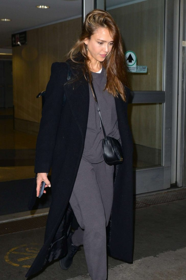 Jessica Alba - Arrives at LAX Airport in LA