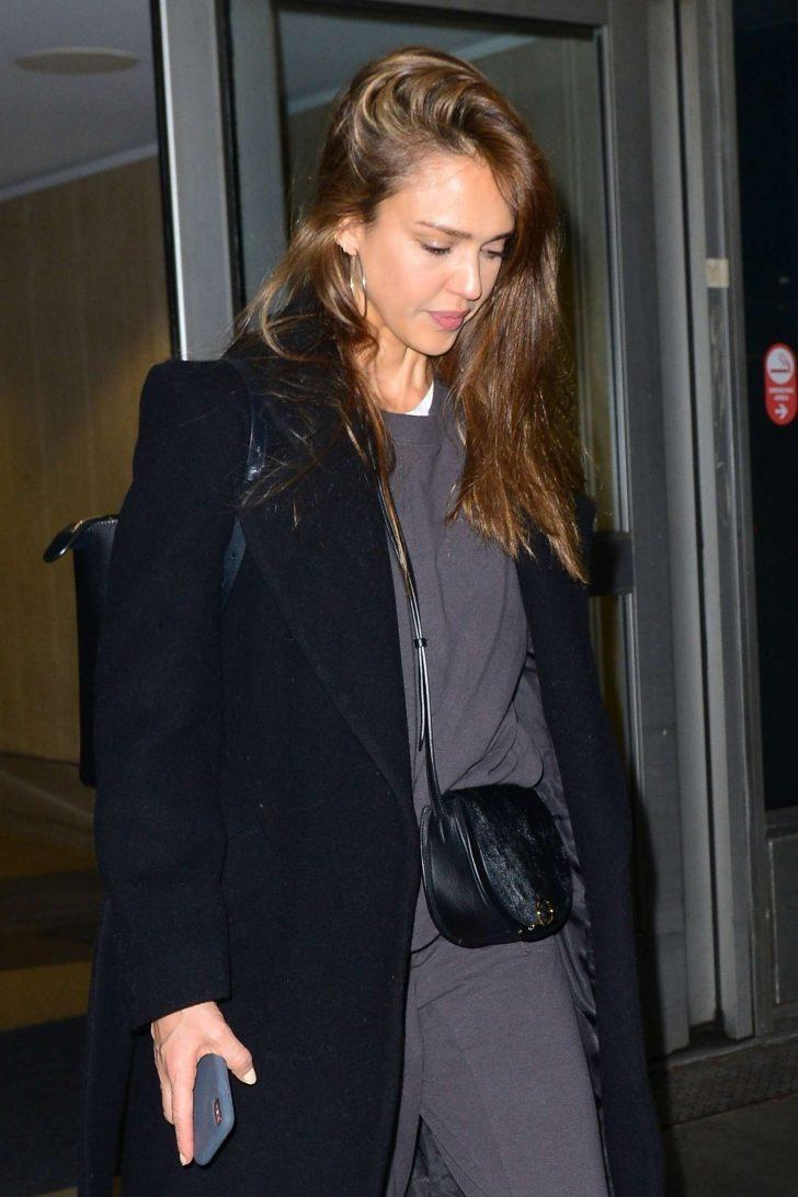 Jessica Alba: Arrives at LAX Airport -04