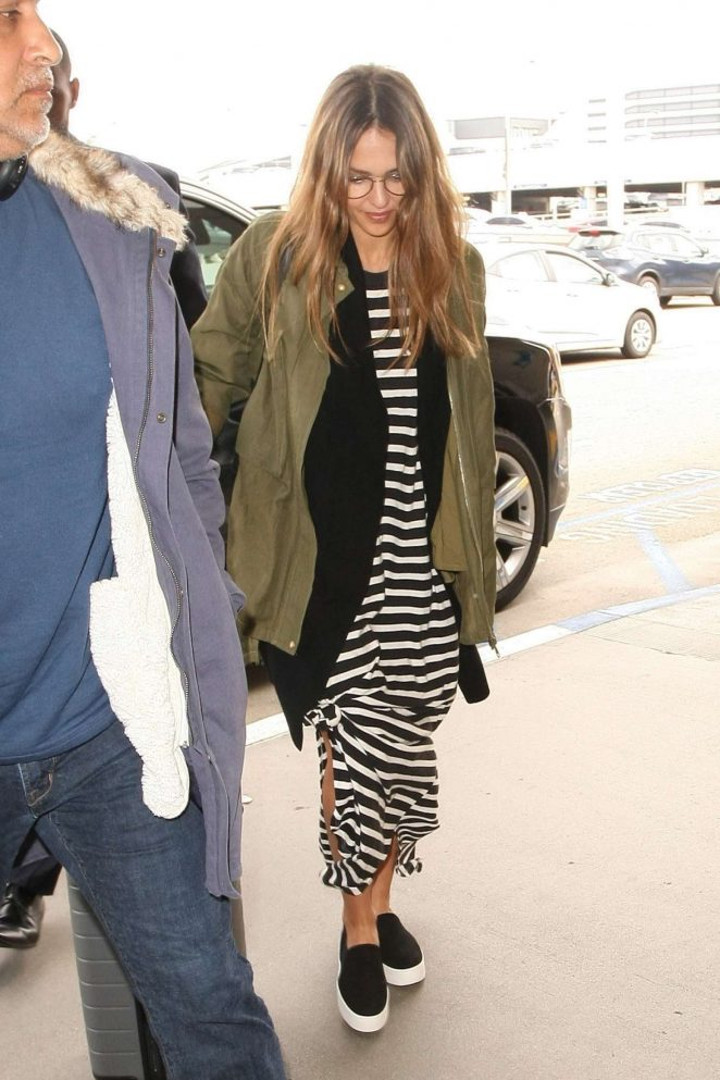 Jessica Alba Arrives at LAX Airport -11