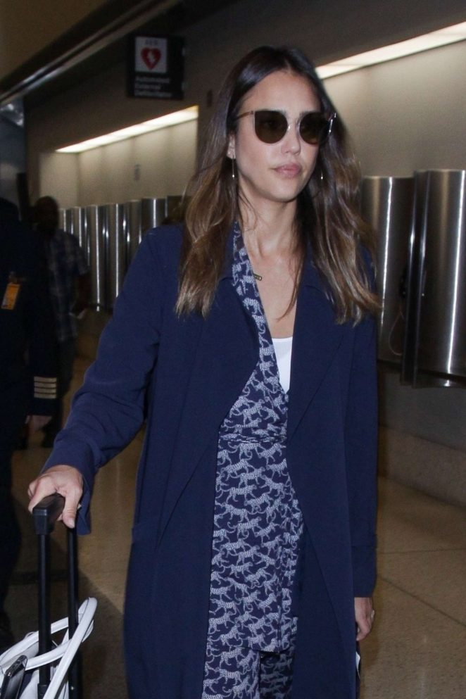 Jessica Alba - Arrives at LAX Airport in Los Angeles