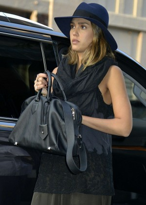 Jessica Alba - Arriving at her hotel in NYC