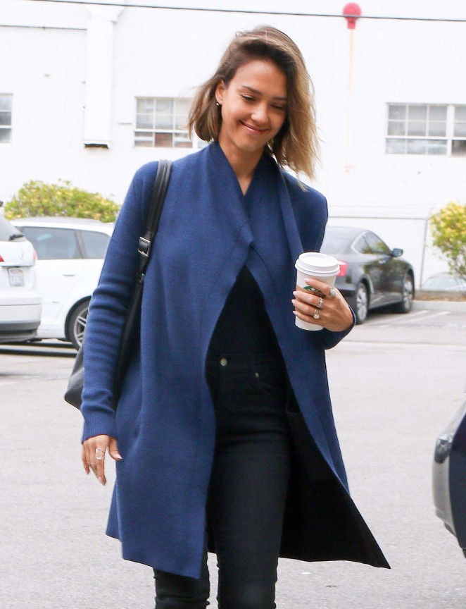 Jessica Alba - Arriving at her office in Santa Monica