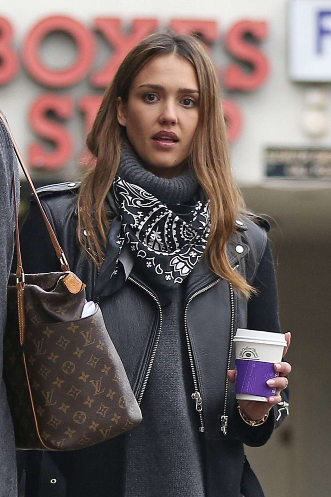 Jessica Alba at a coffee shop in Los Angeles