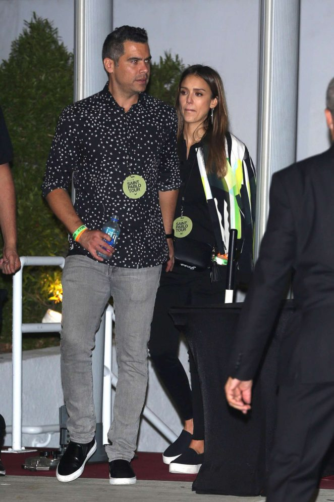 Jessica Alba at Kanye Concert in Inglewood -08