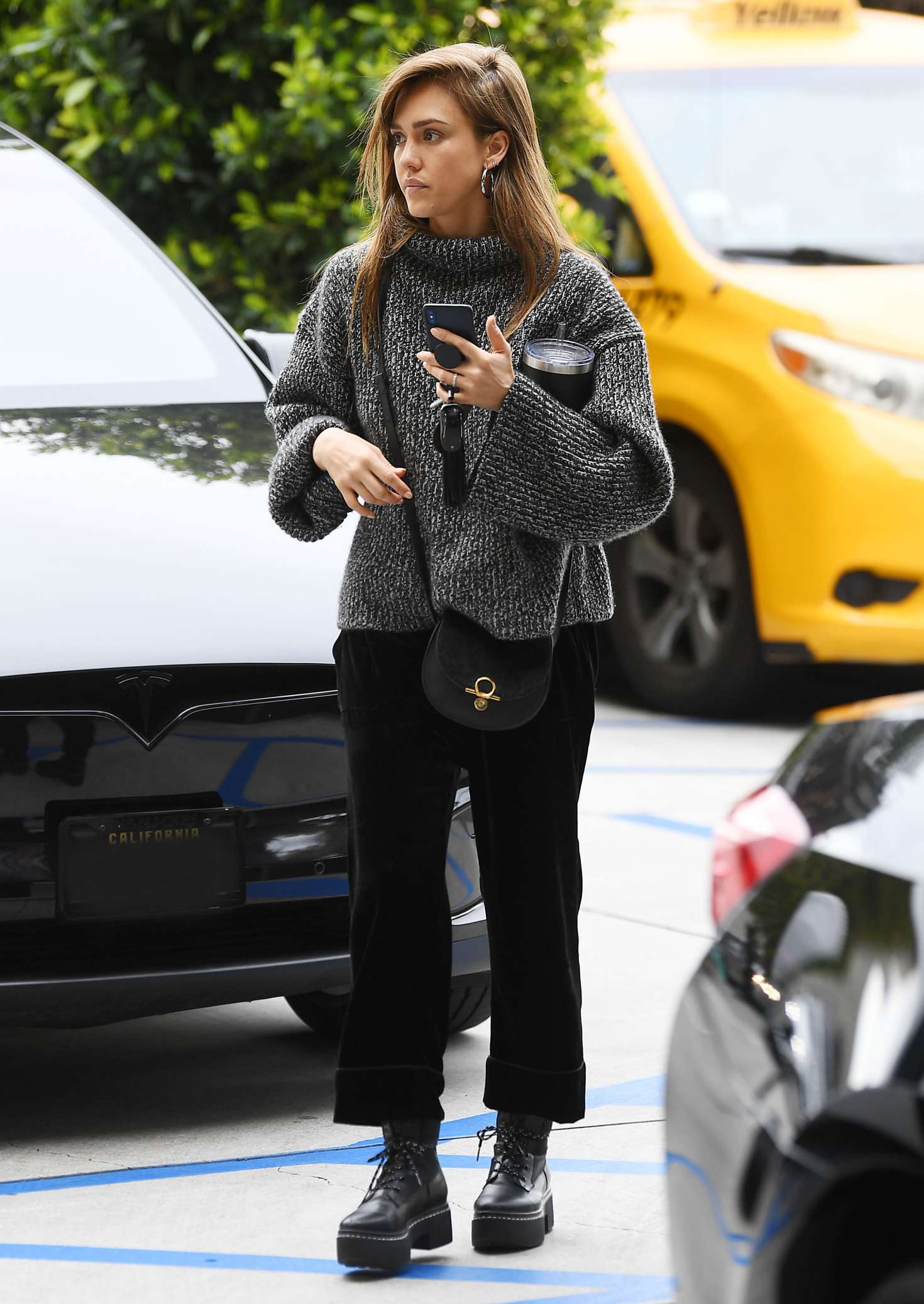 Jessica Alba at Roosevelt Hotel in Los Angeles