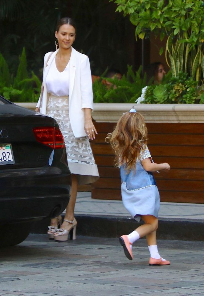 Jessica Alba at the Four Seasons Hotel in Beverly Hills