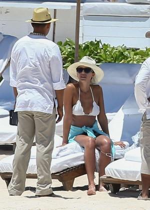 Jessica Alba: Bikini candids in Cancun-03