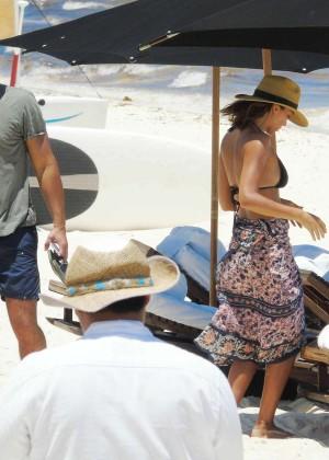 Jessica Alba: Bikini candids in Cancun-16