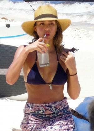 Jessica Alba: Bikini candids in Cancun-17