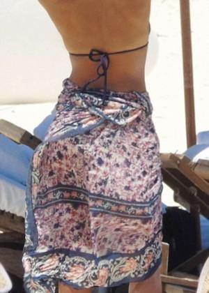 Jessica Alba: Bikini candids in Cancun-20