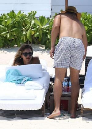 Jessica Alba: Bikini candids in Cancun-29
