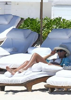 Jessica Alba: Bikini candids in Cancun-31
