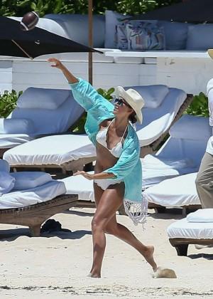 Jessica Alba: Bikini candids in Cancun-37