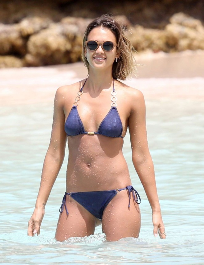 Jessica alba blue bikini agree