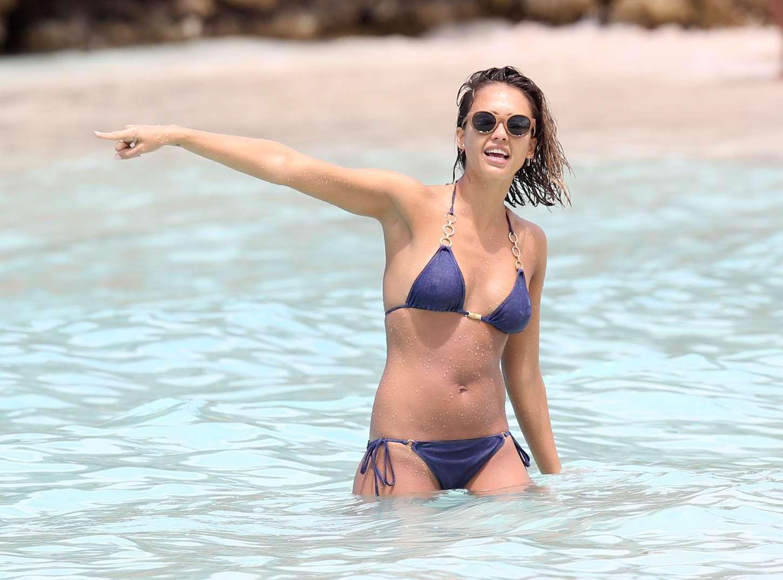 Camera jessica alba bikini pictures — pic 3