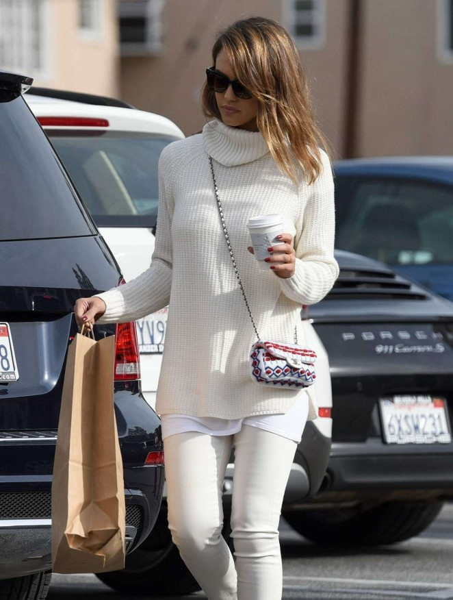 Jessica Alba - Christmas Shopping in Beverly Hills