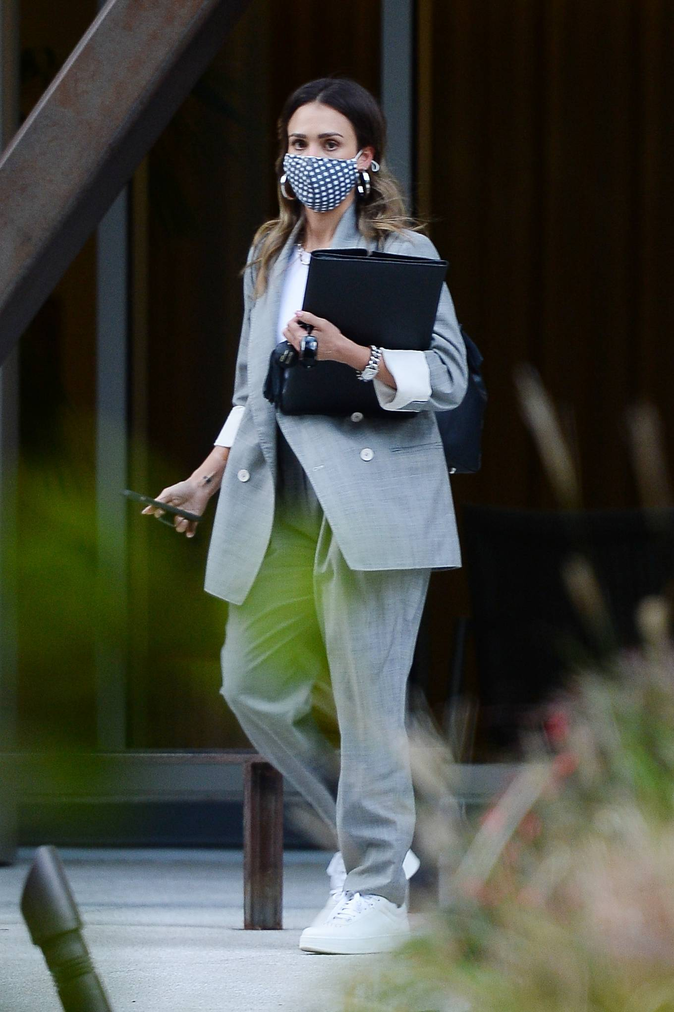 Jessica Alba 2021 : Jessica Alba – Dons bussines look while out of an office building in Los Angeles-07