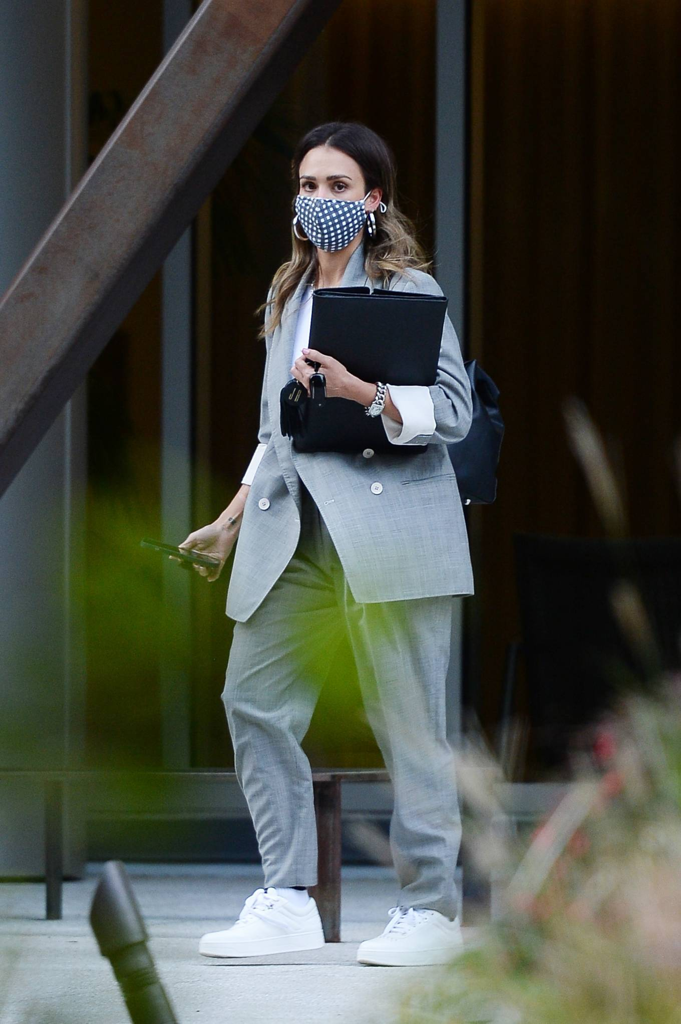 Jessica Alba 2021 : Jessica Alba – Dons bussines look while out of an office building in Los Angeles-16