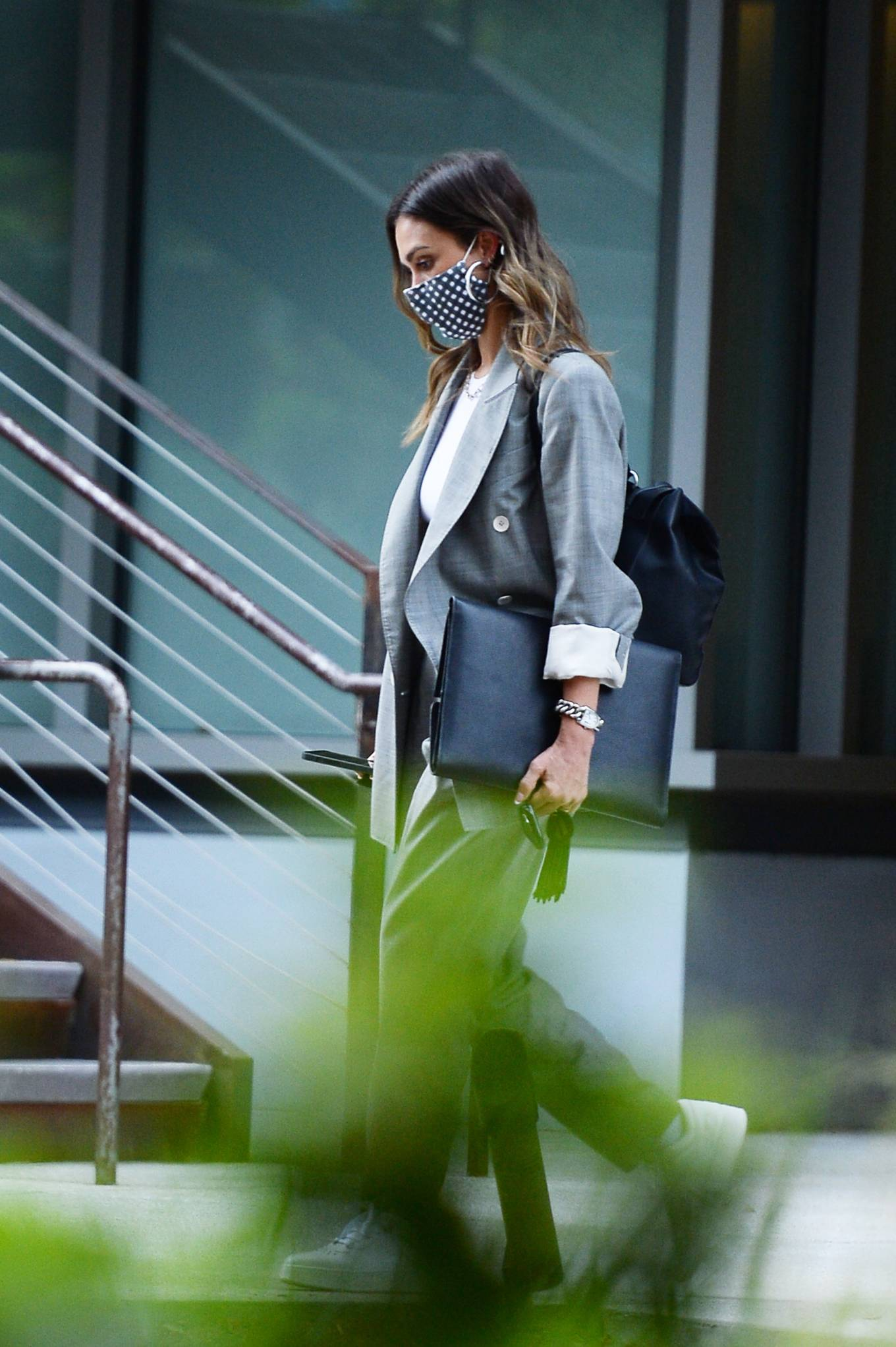 Jessica Alba 2021 : Jessica Alba – Dons bussines look while out of an office building in Los Angeles-21