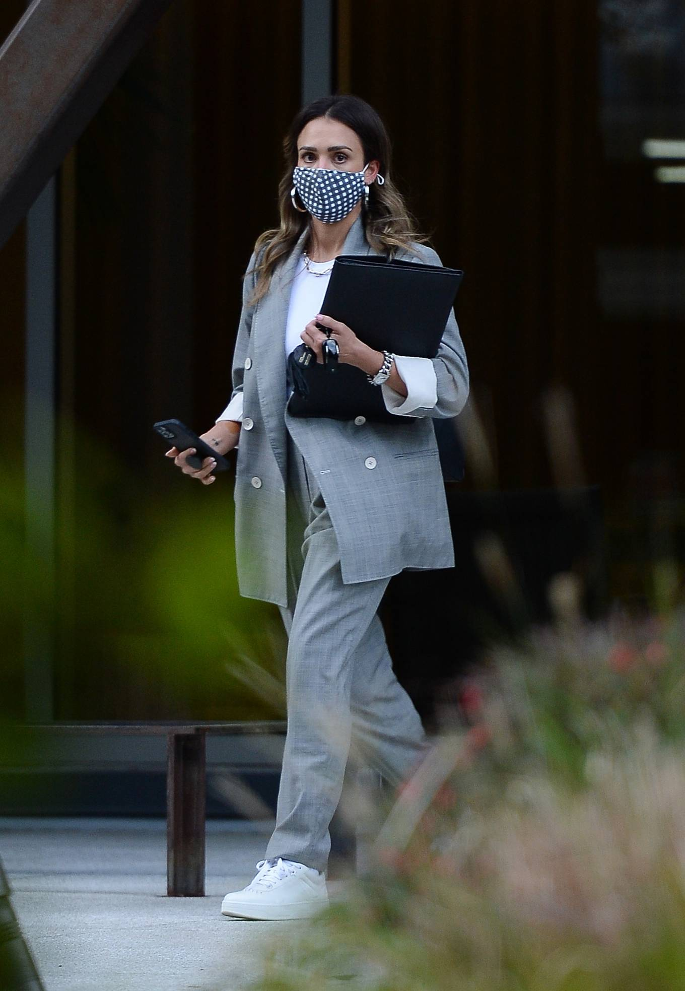 Jessica Alba 2021 : Jessica Alba – Dons bussines look while out of an office building in Los Angeles-24