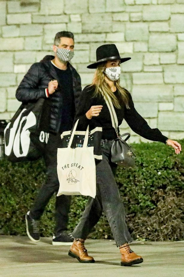 Jessica Alba - Halloween costumes shopping candids with husband in Westwood