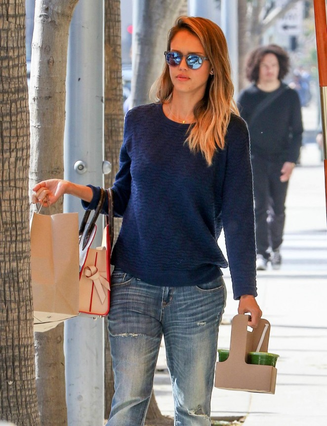 Jessica Alba – Heading To Lunch at M Cafe in Los Angeles