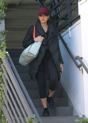 Jessica Alba - Heading to the gym in West Hollywood
