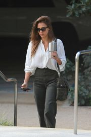 Jessica Alba - Heads to the office in Los Angeles