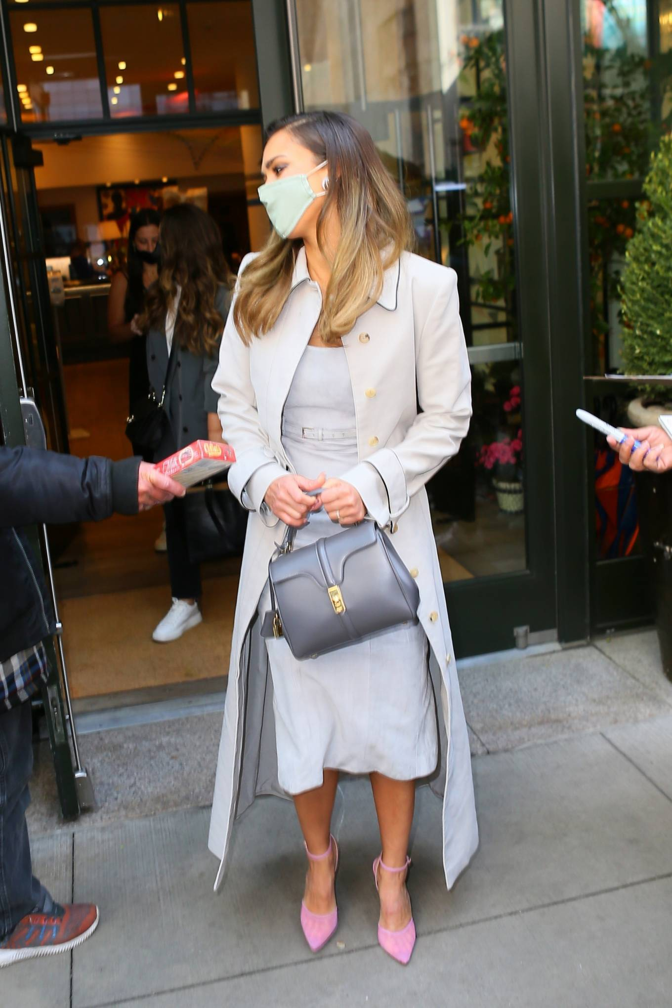 Jessica Alba - Heads to The Tonight Show Starring Jimmy Fallon in New York