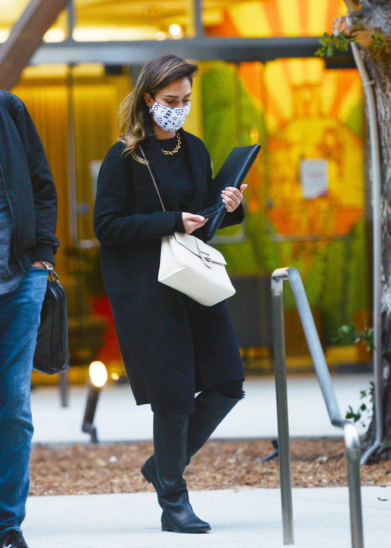 Jessica Alba 2021 : Jessica Alba – In all black leaving an office building in Los Angeles-13