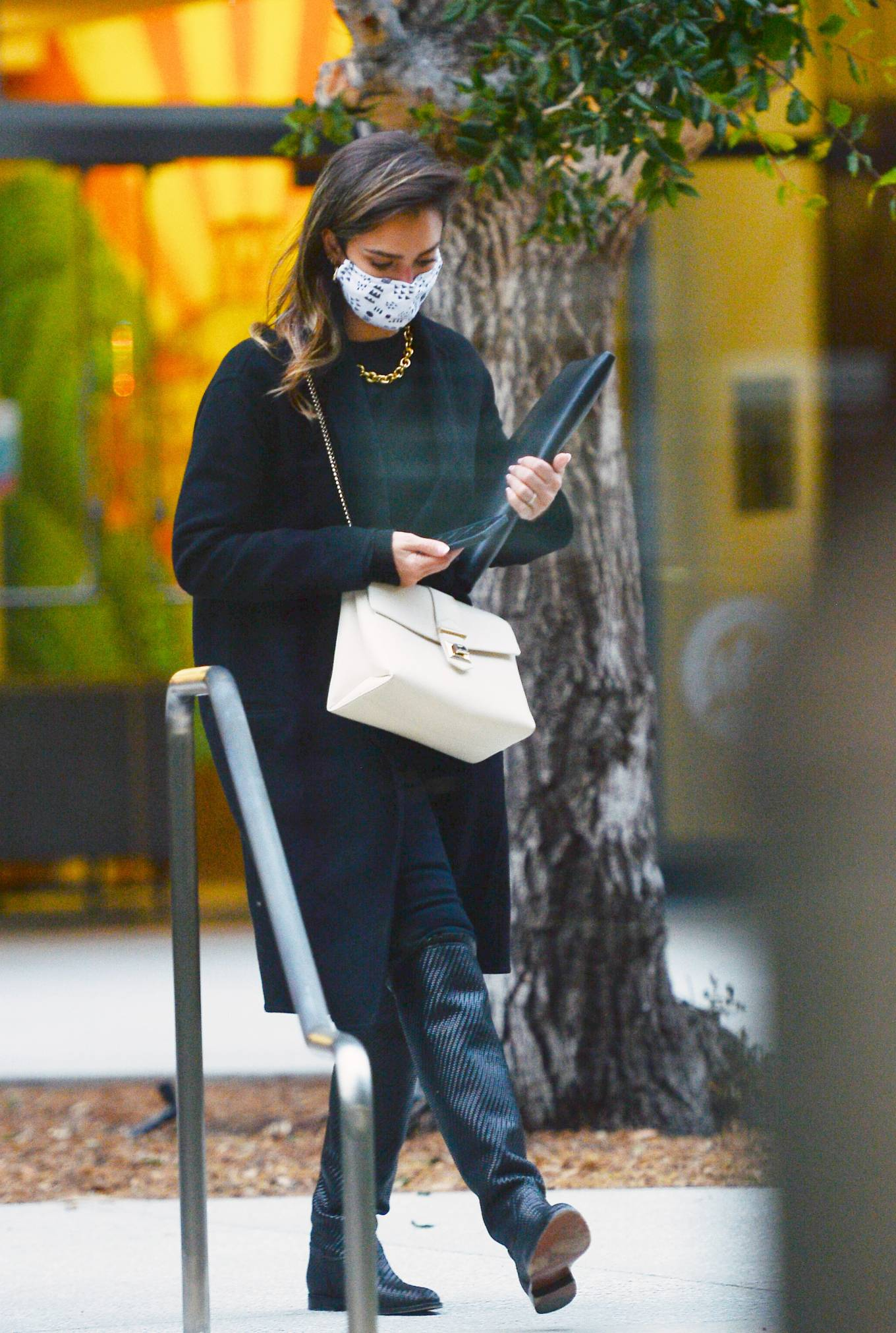 Jessica Alba 2021 : Jessica Alba – In all black leaving an office building in Los Angeles-14