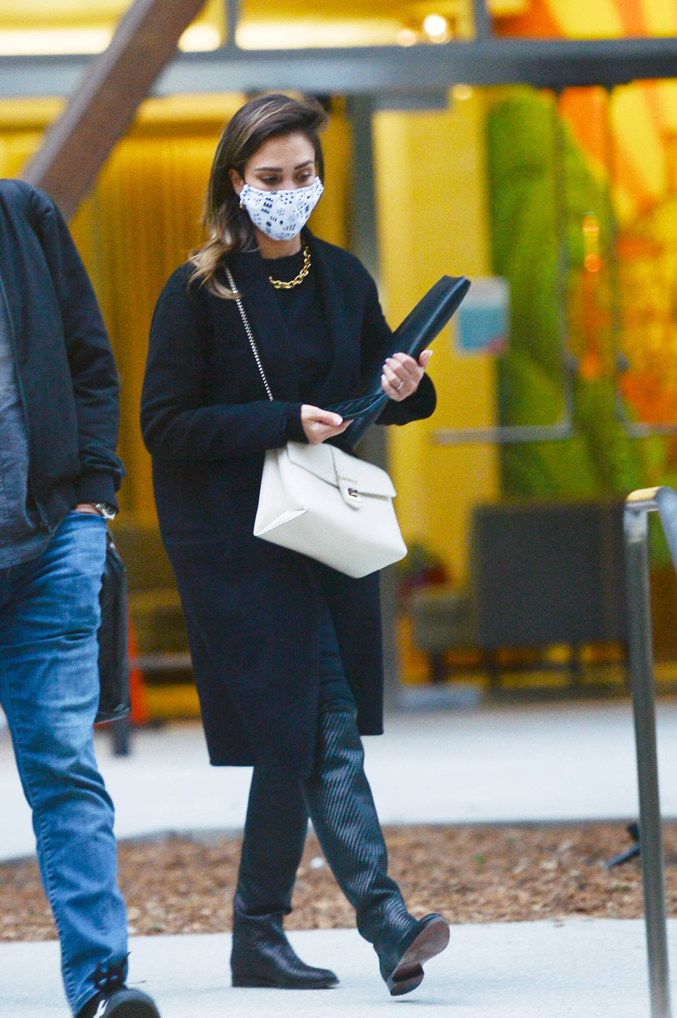 Jessica Alba 2021 : Jessica Alba – In all black leaving an office building in Los Angeles-17