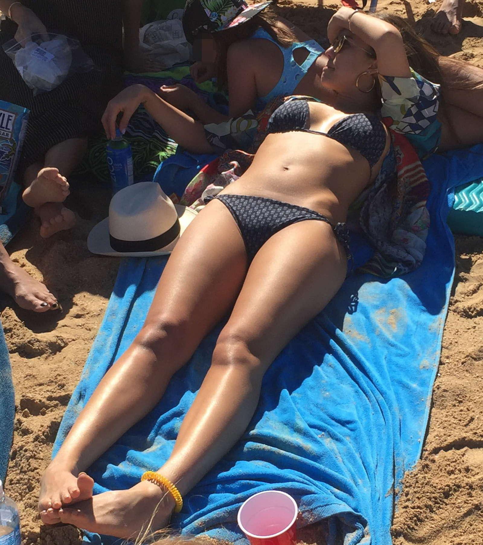 Jessica-Alba-in-Bikini-2017--03.jpg
