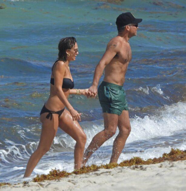 Jessica Alba - In black bikini in Miami