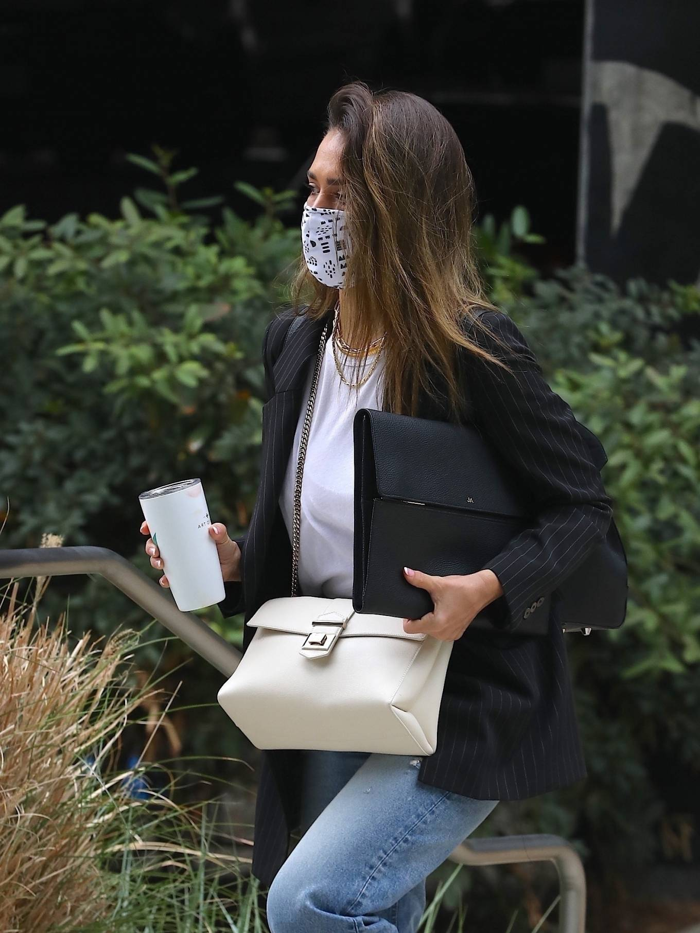 Jessica Alba 2021 : Jessica Alba – In denim arrives at her office in Los Angeles-03