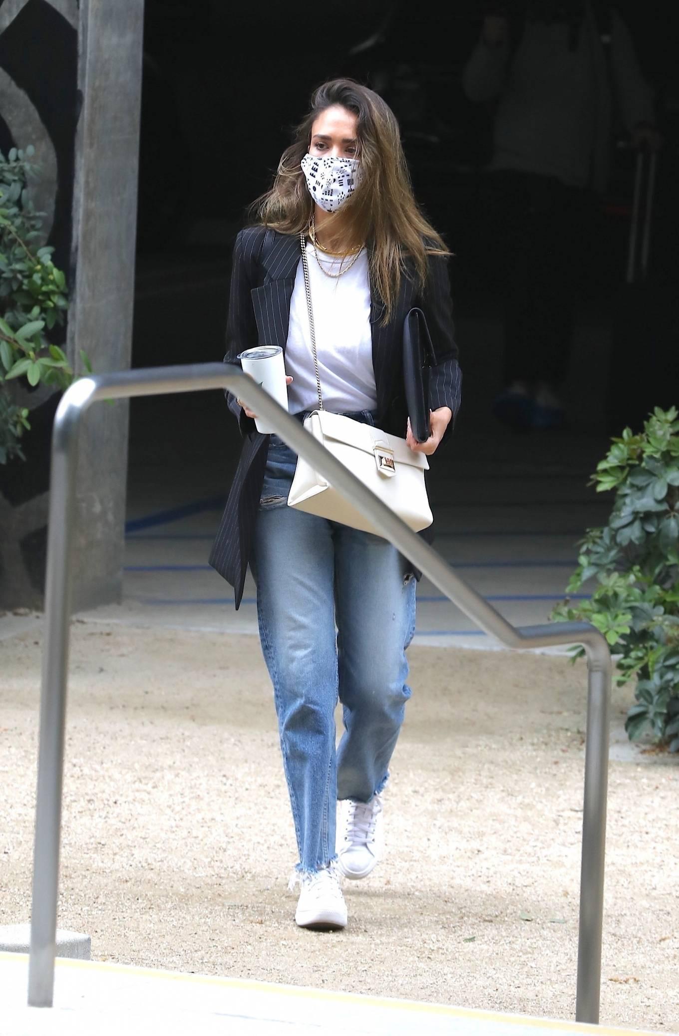 Jessica Alba 2021 : Jessica Alba – In denim arrives at her office in Los Angeles-09