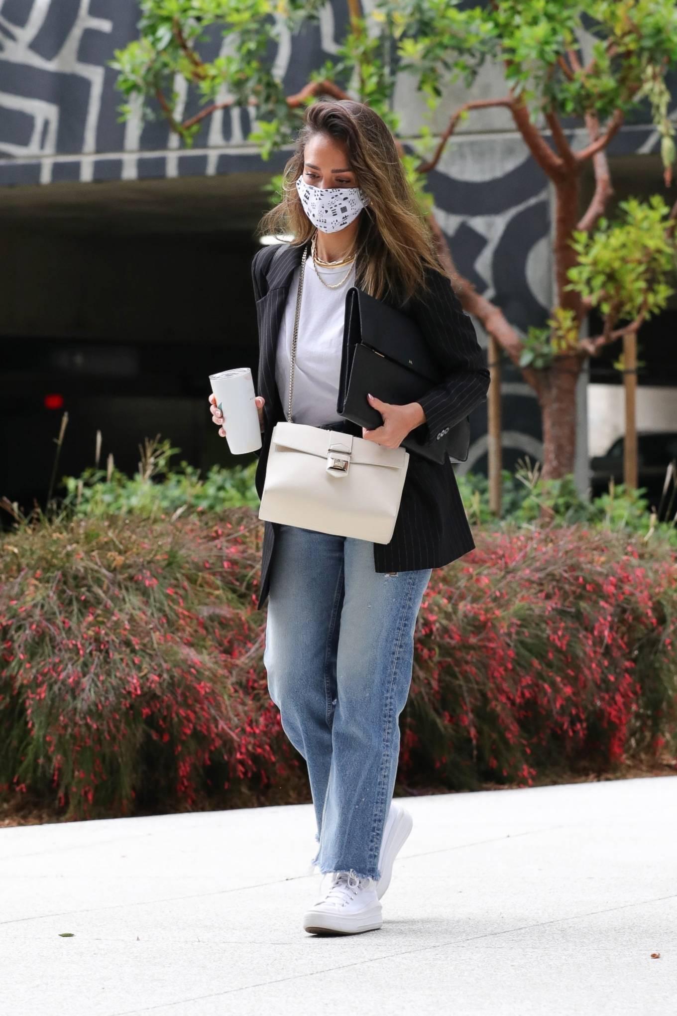 Jessica Alba 2021 : Jessica Alba – In denim arrives at her office in Los Angeles-11
