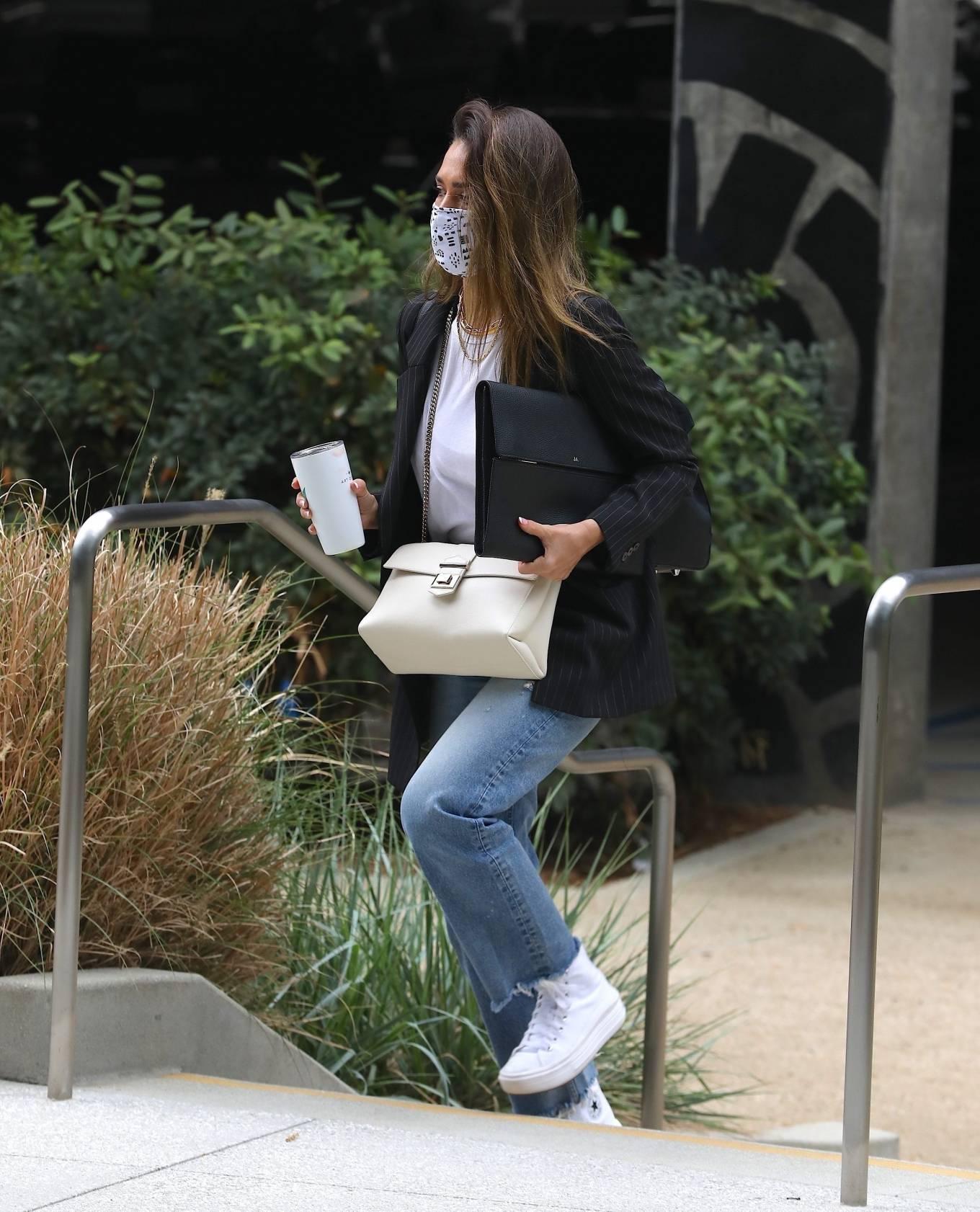 Jessica Alba 2021 : Jessica Alba – In denim arrives at her office in Los Angeles-16