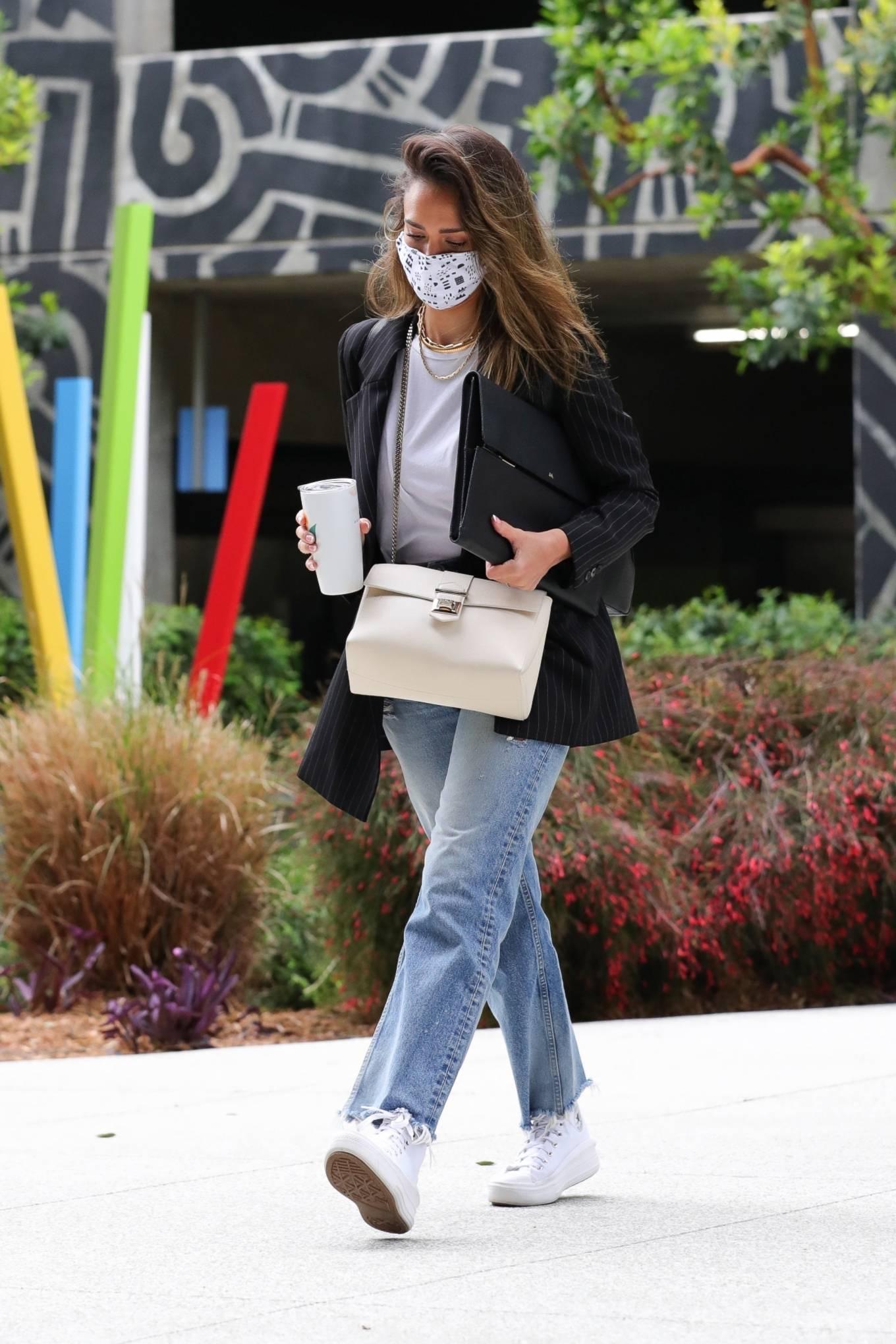 Jessica Alba 2021 : Jessica Alba – In denim arrives at her office in Los Angeles-17