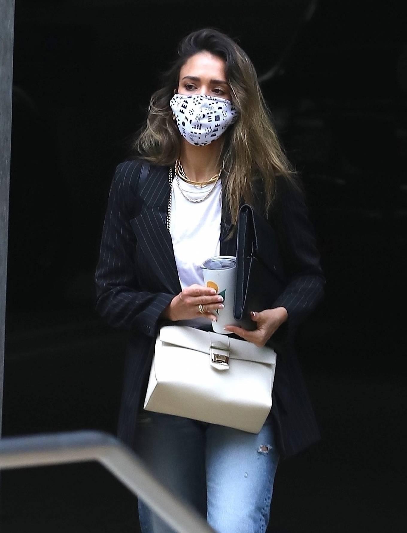 Jessica Alba 2021 : Jessica Alba – In denim arrives at her office in Los Angeles-18