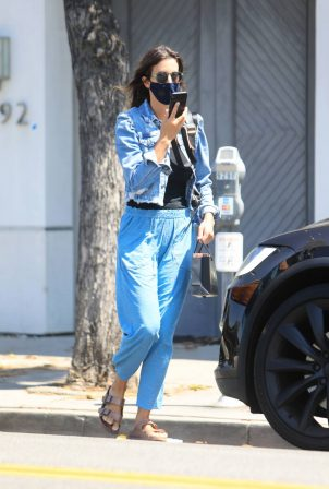 Jessica Alba - In denim jacket out in Los Angeles
