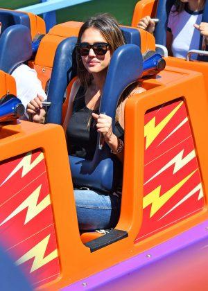 Jessica Alba in jeans in Disneyland