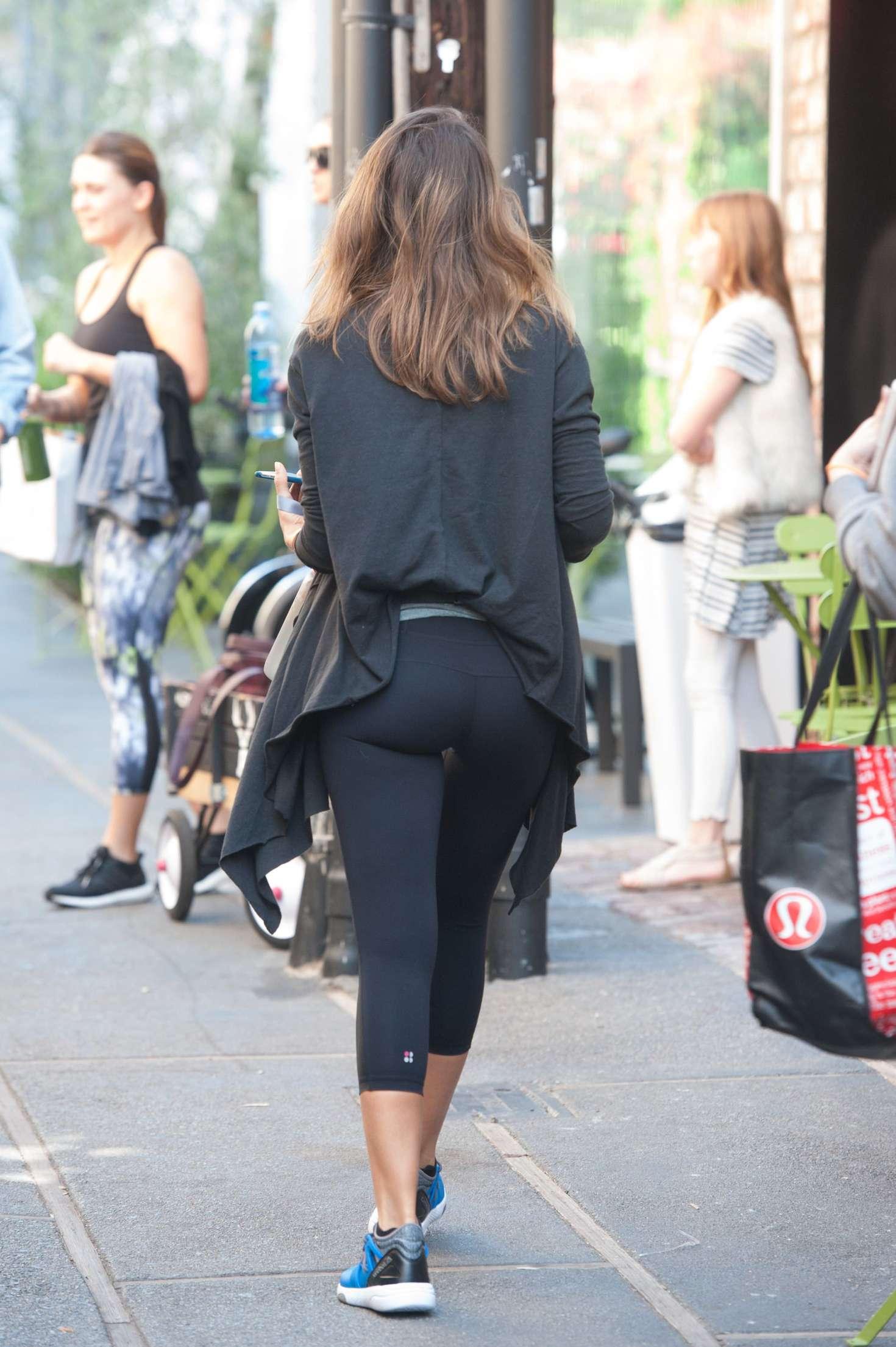 Watch Jessica alba butt video