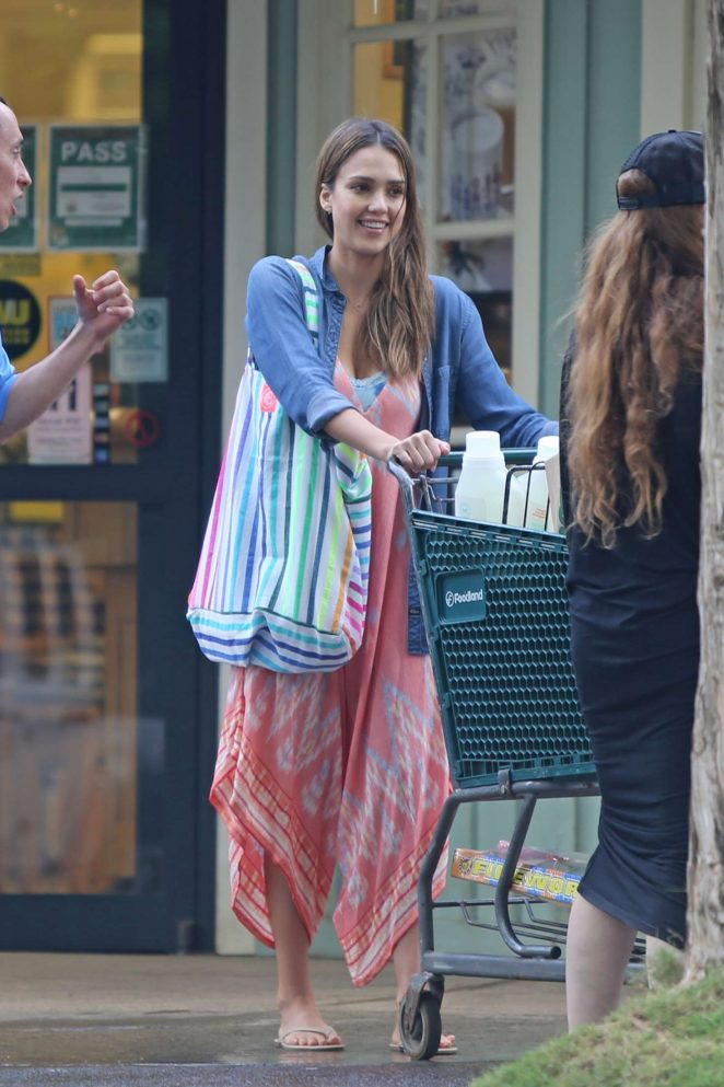 Jessica Alba in Long Dress Shopping in Hawaii