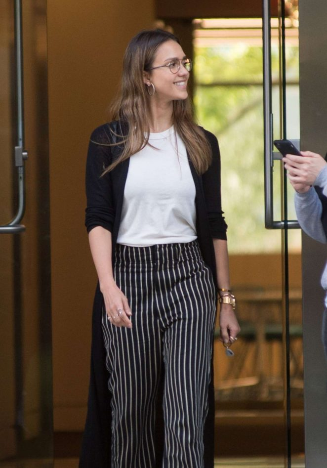 Jessica Alba: Leaves an Office in Los Angeles -01