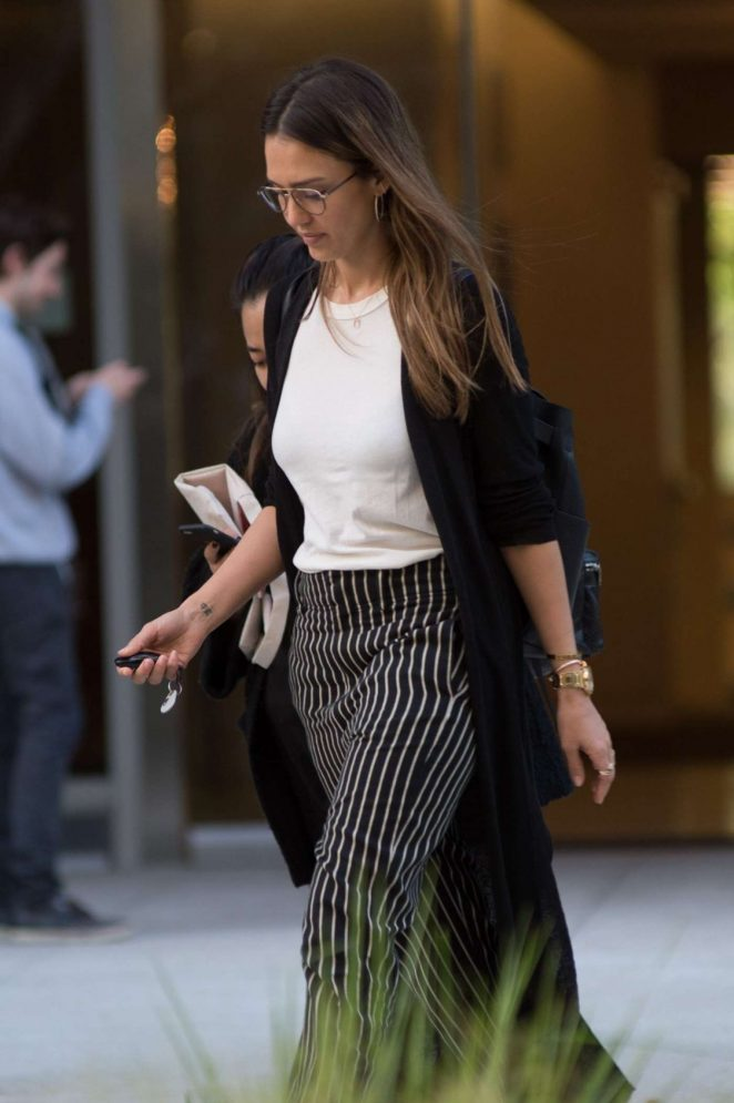 Jessica Alba: Leaves an Office in Los Angeles -05