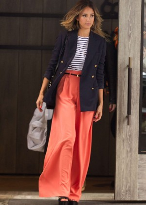 Jessica Alba: Leaving her hotel in NYC -02