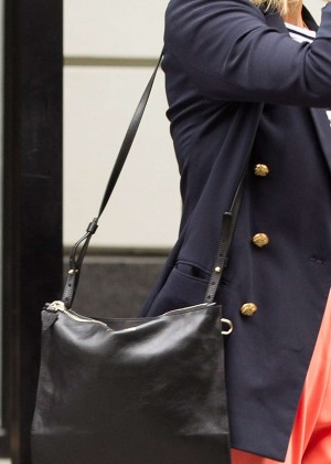 Jessica Alba: Leaving her hotel in NYC -10