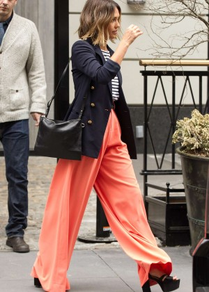 Jessica Alba: Leaving her hotel in NYC -15