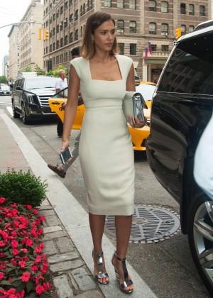 Jessica Alba in White Dress Leaving her hotel in Soho